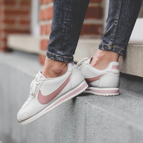 Nike Light Bone Particle Pink Cortez